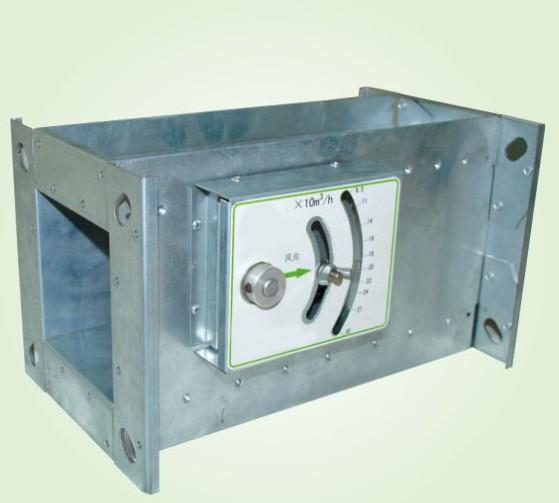 配备室外温度控制器,温控探头在新风换气窗的室外侧,数字温控盒安装在